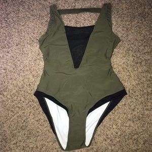 NWT Cupshe XXL swimsuit - one piece